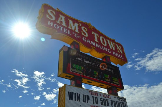 Sam's Town Hotel and Gambling Hall: Sam's Town sign