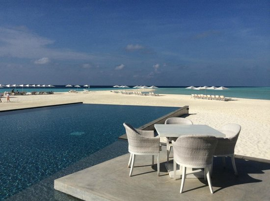 Four Seasons Resort Maldives at Landaa Giraavaru: View from Blu Restaurant