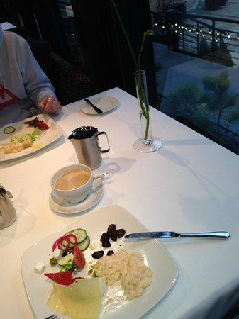 Hotel Bergs: Breakfast