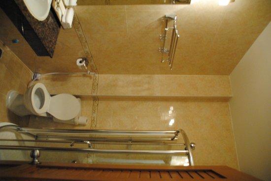 HomeFeel CS Hotel : Bathroom