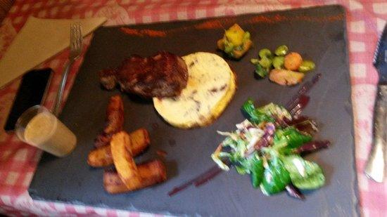 Chez Mamie Lise : La viande cuite à la perfection les accompagnents savoureux et nombreux, et le tout pour moins d