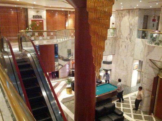Admiral Plaza Hotel: Vista della hall