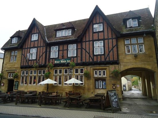 Half Moon Inn : Half Moon (room above the archway, overlooking the Abbey)