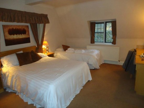 Half Moon Inn : This is the bedroom from a previous trip (not a standard)
