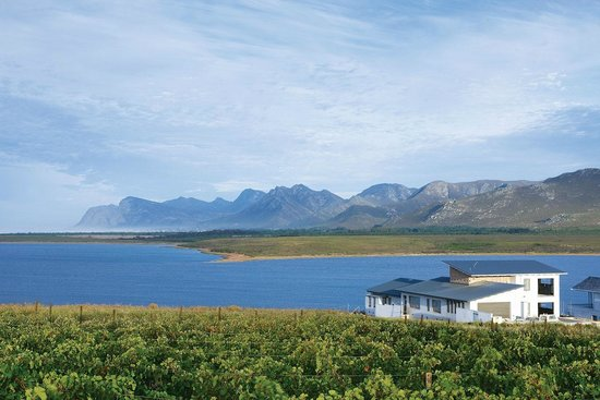 Benguela Cove Lagoon Wine Estate: Exclusive Living