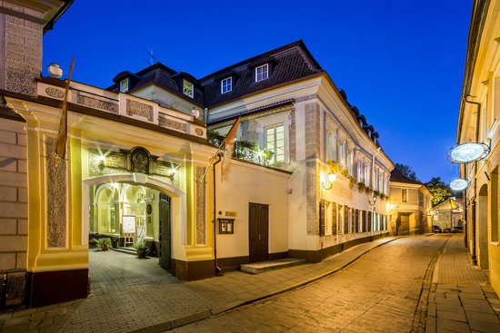 Shakespeare Hotel: Hotel at night