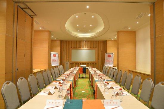 HARRIS Hotel Raya Kuta Bali: Meeting Room