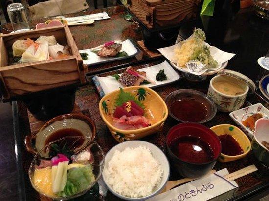 Hotel Noto Kinpura : ボリューム満点の夕食