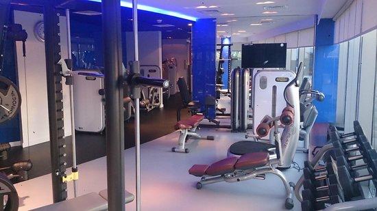 W Doha Hotel & Residences: Gym