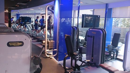 W Doha Hotel & Residences: Gym