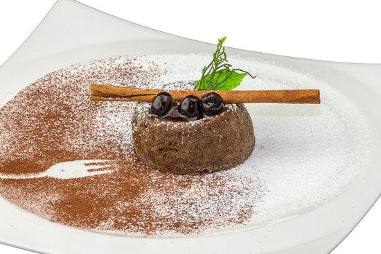 DaVinci Restaurant Nai Harn: warm chocolate cake