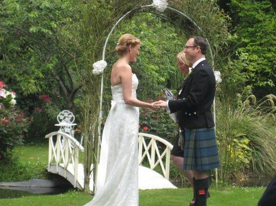 StoneBridge Function Venue Limited: Vows taken in the garden