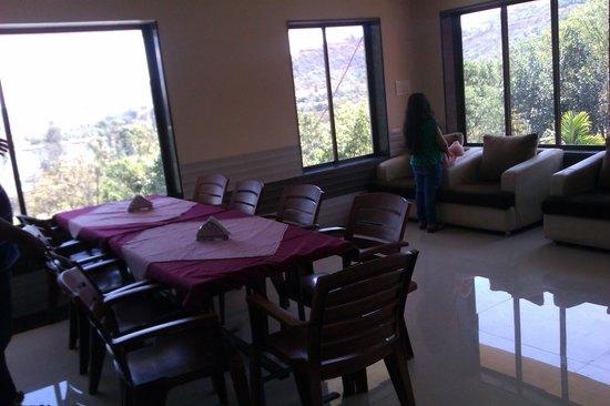 Chitrakoot Hill Resort: Restaurant