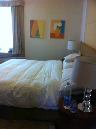 Lanson Place Jin Qiao Serviced Residences: one of the rooms out of two