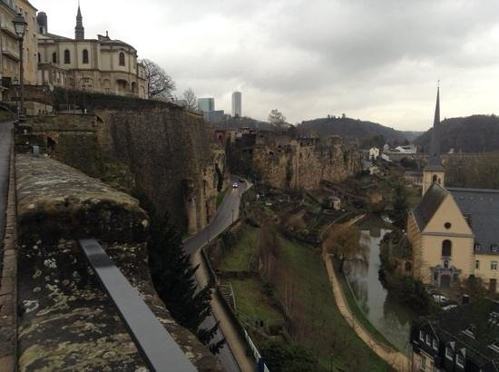 Viaduc (Passerelle) : view from viaduc in to old town