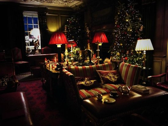 Prestonfield: Tapestry Room - Perfect place to relax before the world wakes up!