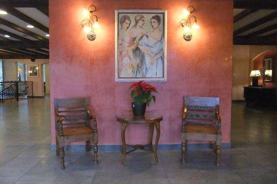 Occidental Playa de Palma: Gemütliche Ecken in der Hotelhalle