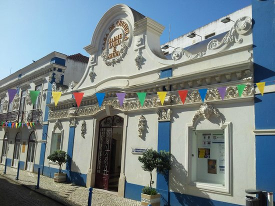 Ericeira Chill Hill Hostel & Private Rooms: City center