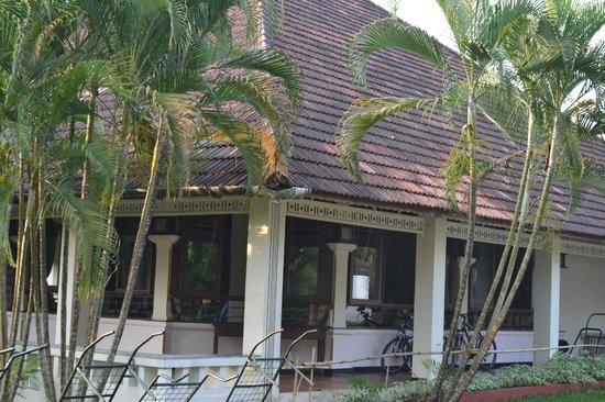 Abad Whispering Palms Lake Resort: Inside of the resort