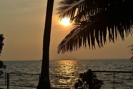Abad Whispering Palms Lake Resort: Lake from gardens of this resort