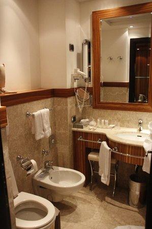 Starhotels Anderson: Ванная