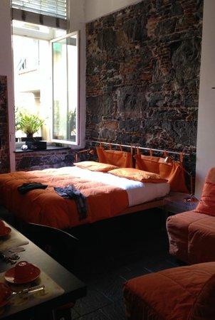 B&B Dell'Acquario: Camera arancione