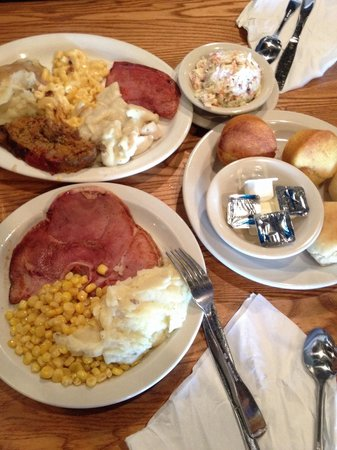 Cracker Barrel Old Country Store: Deliciousness!