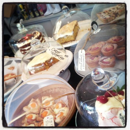 The Sisters Kitchen Garden Cafe: Cake time