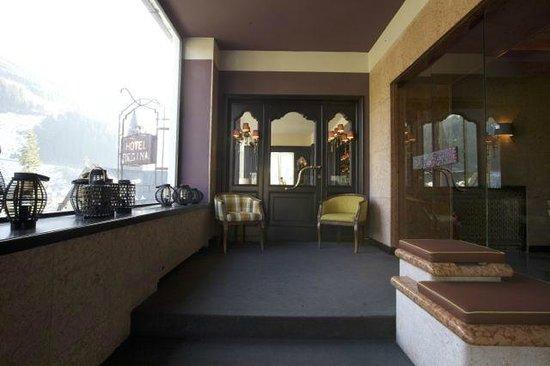 The Regina Hotel : eingang