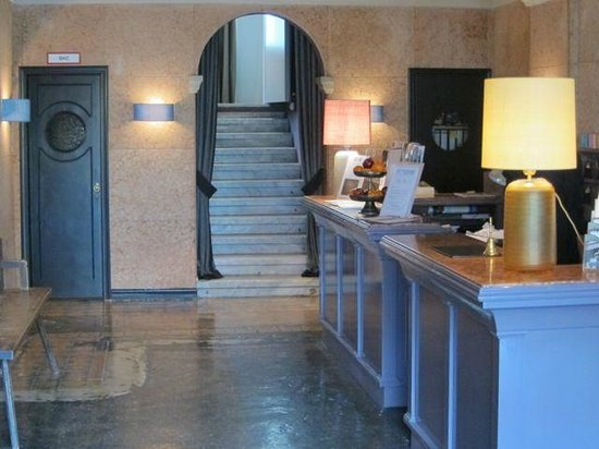 The Regina Hotel : rezeption