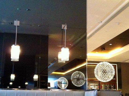 Pullman London St Pancras Hotel: интерьер зоны для завтрака