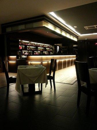 Tandoor Grill : Bar