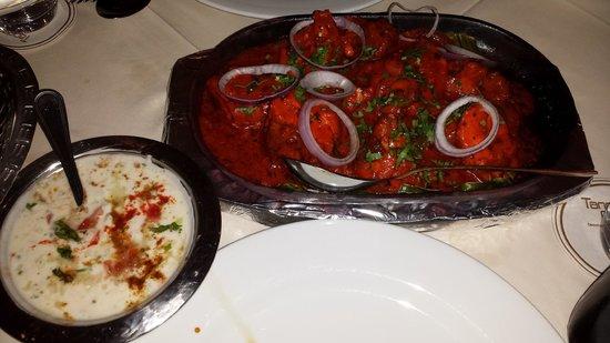 Tandoor Grill : Tandoori Chicken mit Sauce