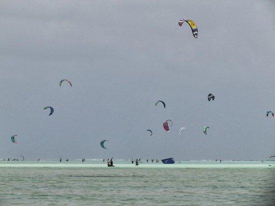 Zanzibar White Sand Luxury Villas & Spa: Amazing kite surfers