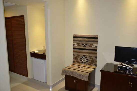 Mosaic City Hotel: Room 415