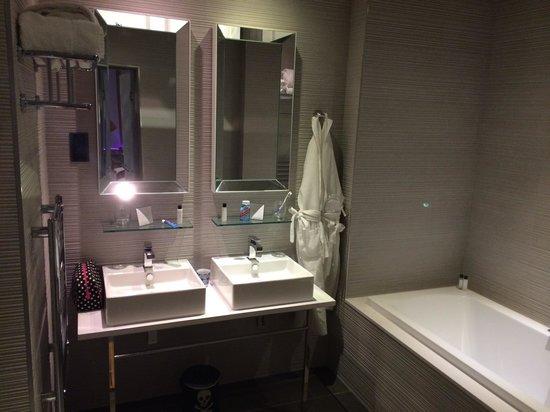 Murrayfield Hotel and House : Bathroom