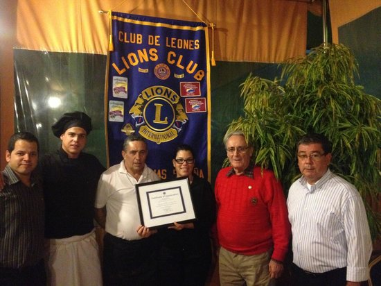 El Salsete: Homenaje del club de leones