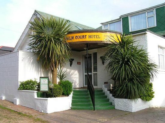 Palm Court Hotel: welcome in