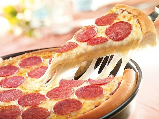 Pepperoni Lovers Pan Pizza - Picture of Pizza Hut, Sliema ...