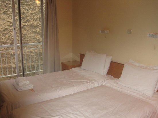 Adonis Hotel: Room
