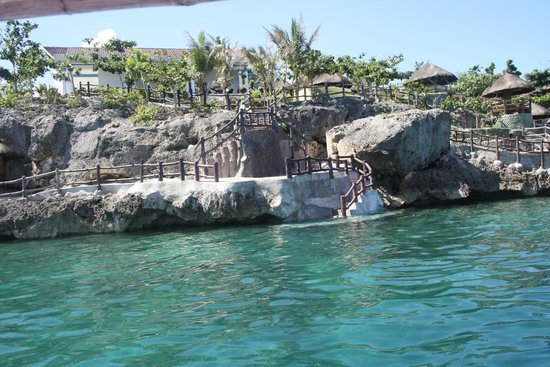 Sea Turtle Lagoon Resort: Alittle of the view from the sea