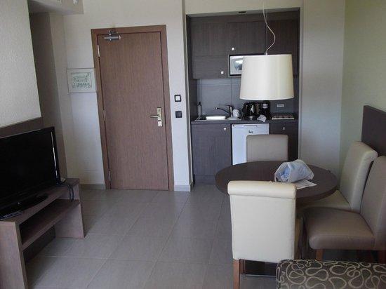 Protur Bonaire Aparthotel: Kitchen