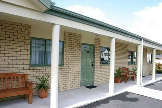 BK's Settlers Motor Lodge: Modern units with free parking at the door