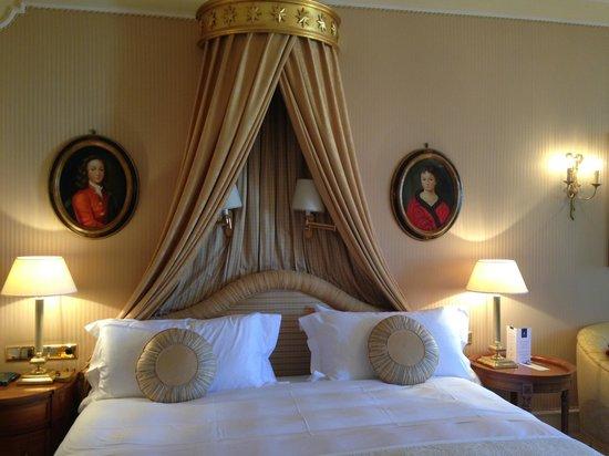 Hotel Imperial Vienna: Deluxe Bedroom