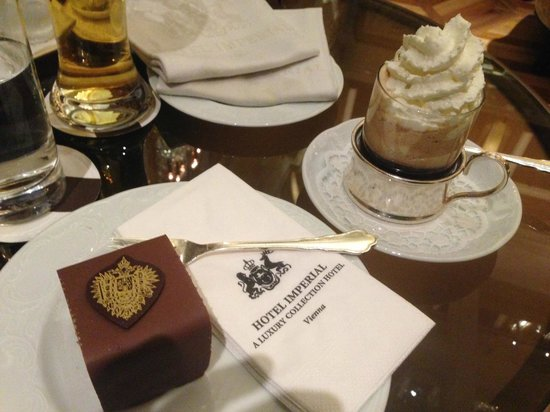 Hotel Imperial Vienna: Cake