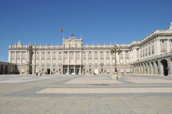Radisson Blu Hotel, Madrid Prado: В пешей доступности Королевский дворец