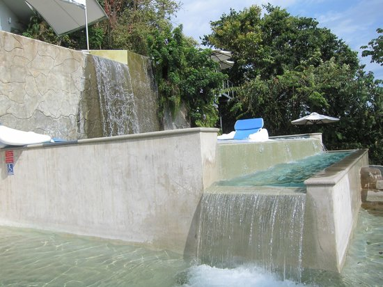 Gaia Hotel & Reserve: Tiered pool.