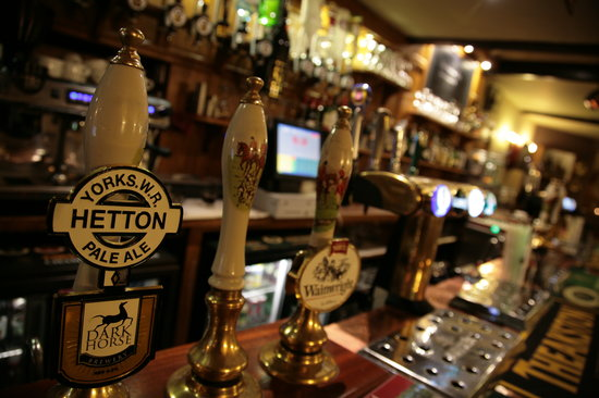 Red Lion Hotel: Hand pulled Ales