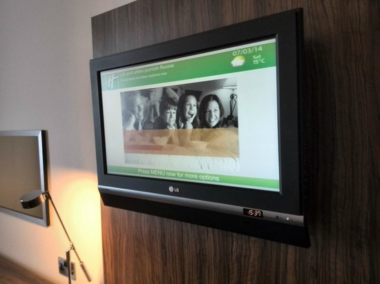 Holiday Inn Liverpool City Centre: good tv room 904