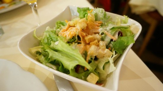 Cheminee: French dressing salad